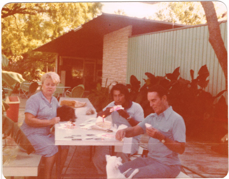 Metzgers_and_Erasmo_1982_on_Patio